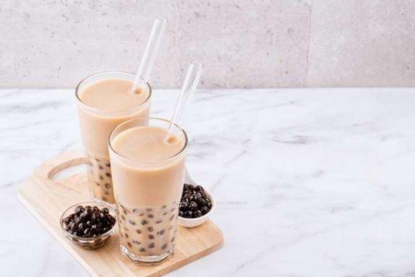 Ly thủy tinh đựng trà sữa